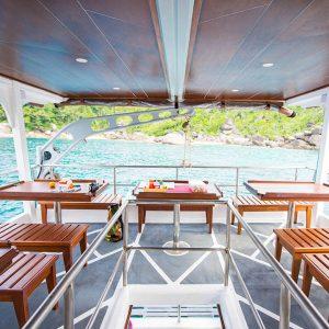 MV Camic Similan liveaboard sukellussafari INTO Dive center