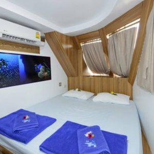 Bavaria Deluxe Cabin MV Bavaria liveaboard sukellussafari INTO Dive center